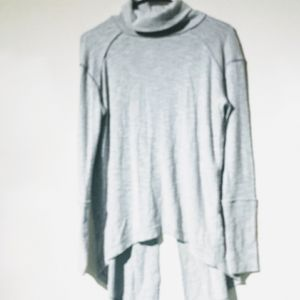 """Free People """"We The Free"""" grey pullover sweater"""